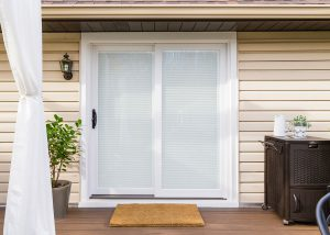 Inovo Exterior Deck Blinds Closed 2 300x214