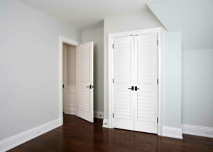 codel interior door white plantation louvered 300x214
